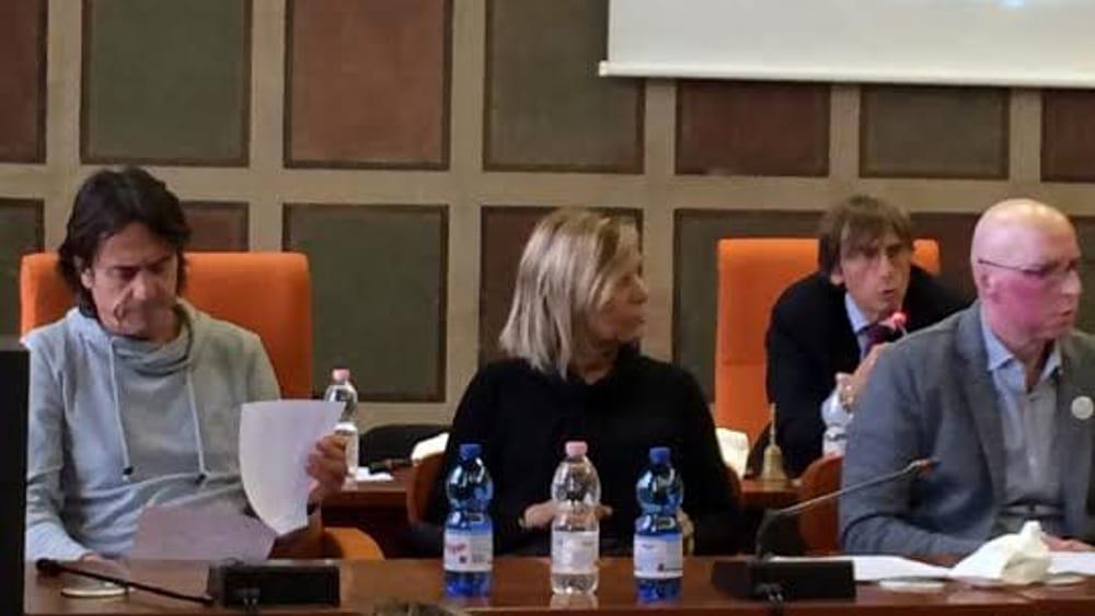 Approvazione di una mozione sulla strage di viareggio da - Pinelli una finestra sulla strage ...