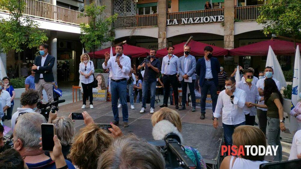 """Salvini a Pisa contestato dagli studenti: """"Per la prima ..."""