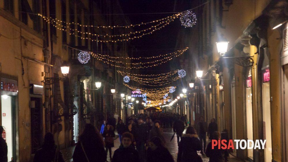 Illuminazione natalizia a pisa natale 2015
