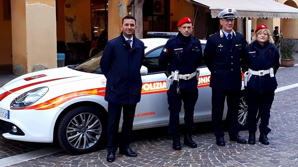 Una nuova auto per la Polizia Municipale di Cascina - PisaToday