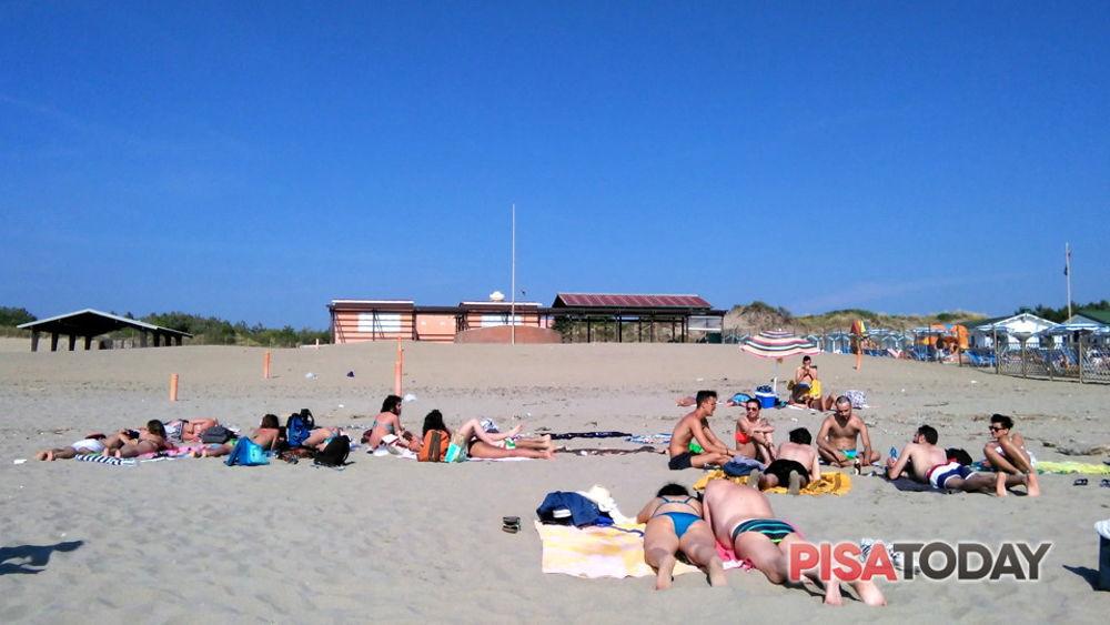 Matrimonio Spiaggia Tirrenia : Aperta la kokito beach ex spiaggia degli americani di