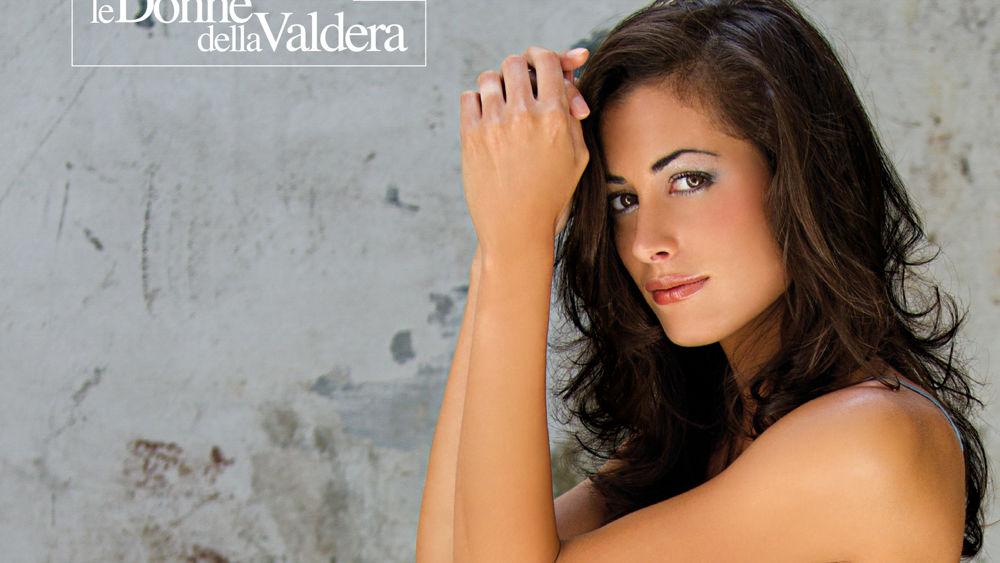 Calendario Donne Hot.Il Calendario 2012 Delle Donne Della Valdera