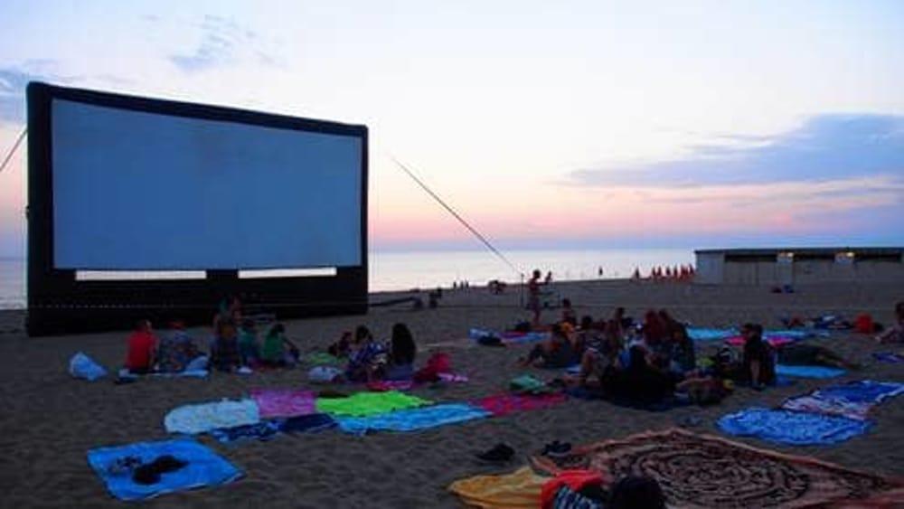 Cinema al mare al bagno degli americani a pisa il 17 e 18 agosto 2017 eventi a pisa - Bagno degli americani tirrenia ...